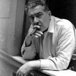 José Lezama Lima en su balcón