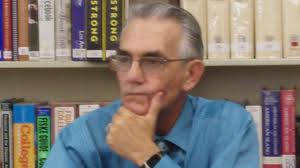 Manuel Gayol en Huntington Park Library