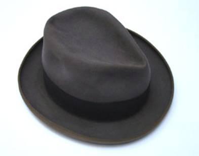 Adolfo Bioy Casares. Sombrero